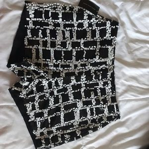 Pants - Sequin black & white shorts